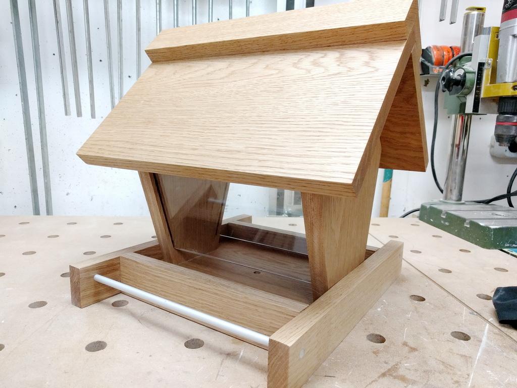 vogelfutterhaus selber bauen. Black Bedroom Furniture Sets. Home Design Ideas